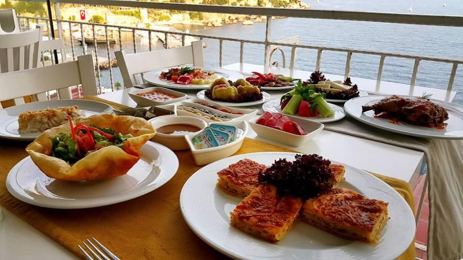 Antalya Toplantı Yemekleri 0541 5418200 Kabare Saçıbeyaz Restaurant  (3)