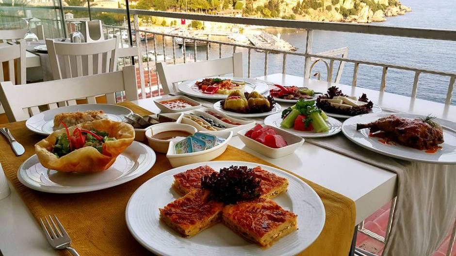 Antalya Toplantı Yemekleri 0541 5418200 Kabare Saçıbeyaz Restaurant  (4)