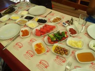 antalya kemer ulupınar en iyi restaurant kahvaltı yarıkpınar meydan restaurant (18)