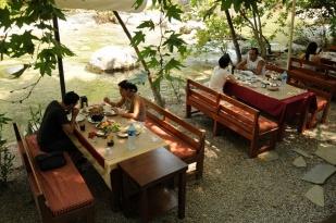 antalya kemer ulupınar kahvaltı mekanları yarıkpınar meydan restaurant (8)