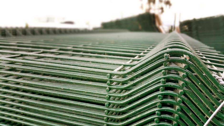 manavgat-beton-direk-manavgat-boru-direk-manavgat-tel-cit-manavgat-dekoratif-panel-cit-manavgat-ferforje-kapi-manavgat-korkuluk-manavgat-tenis-kortu-manavgat-futbo-sahasi-uygulamalari-1