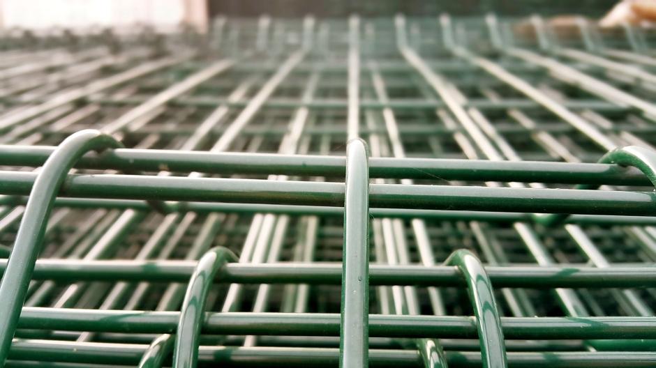 manavgat-beton-direk-manavgat-boru-direk-manavgat-tel-cit-manavgat-dekoratif-panel-cit-manavgat-ferforje-kapi-manavgat-korkuluk-manavgat-tenis-kortu-manavgat-futbo-sahasi-uygulamalari-6
