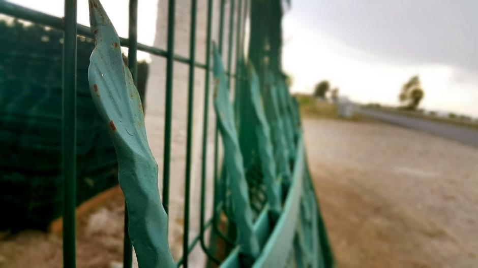 manavgat-beton-direk-manavgat-boru-direk-manavgat-tel-cit-manavgat-dekoratif-panel-cit-manavgat-ferforje-kapi-manavgat-korkuluk-manavgat-tenis-kortu-manavgat-futbo-sahasi-uygulamalari-9
