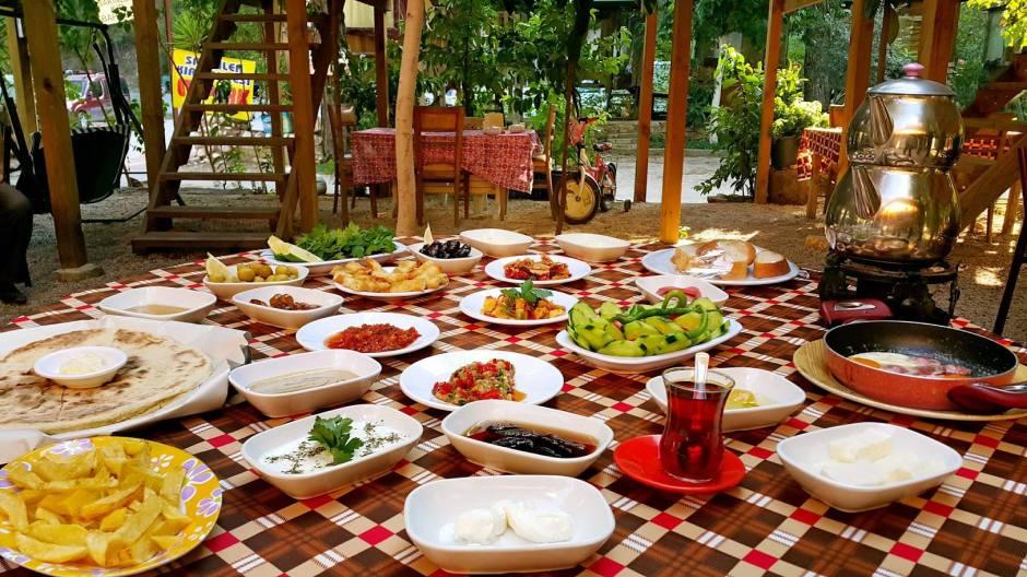 antalya-cakirlar-kahvalti-yerleri-0531-287-65-62-meshur-gozlemeci-serpme-van-koy-kahvaltisi-9