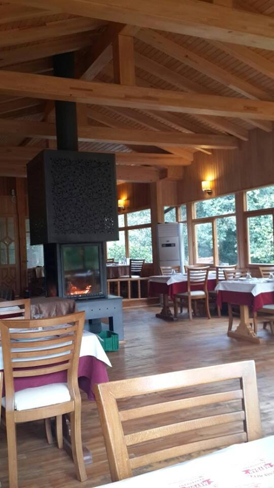 kemer-gidilecek-yerler-0532-253-13-24-ulupinar-restoran-kahvalti-balik-tutma-en-iyi-restoran-12
