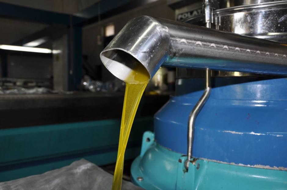 organik-naturel-sizma-zeytin-yagi-0532-371-68-26-cam-sise-teneke-kutu-zeytinyagi-sabunu-losyonu-kremi-4